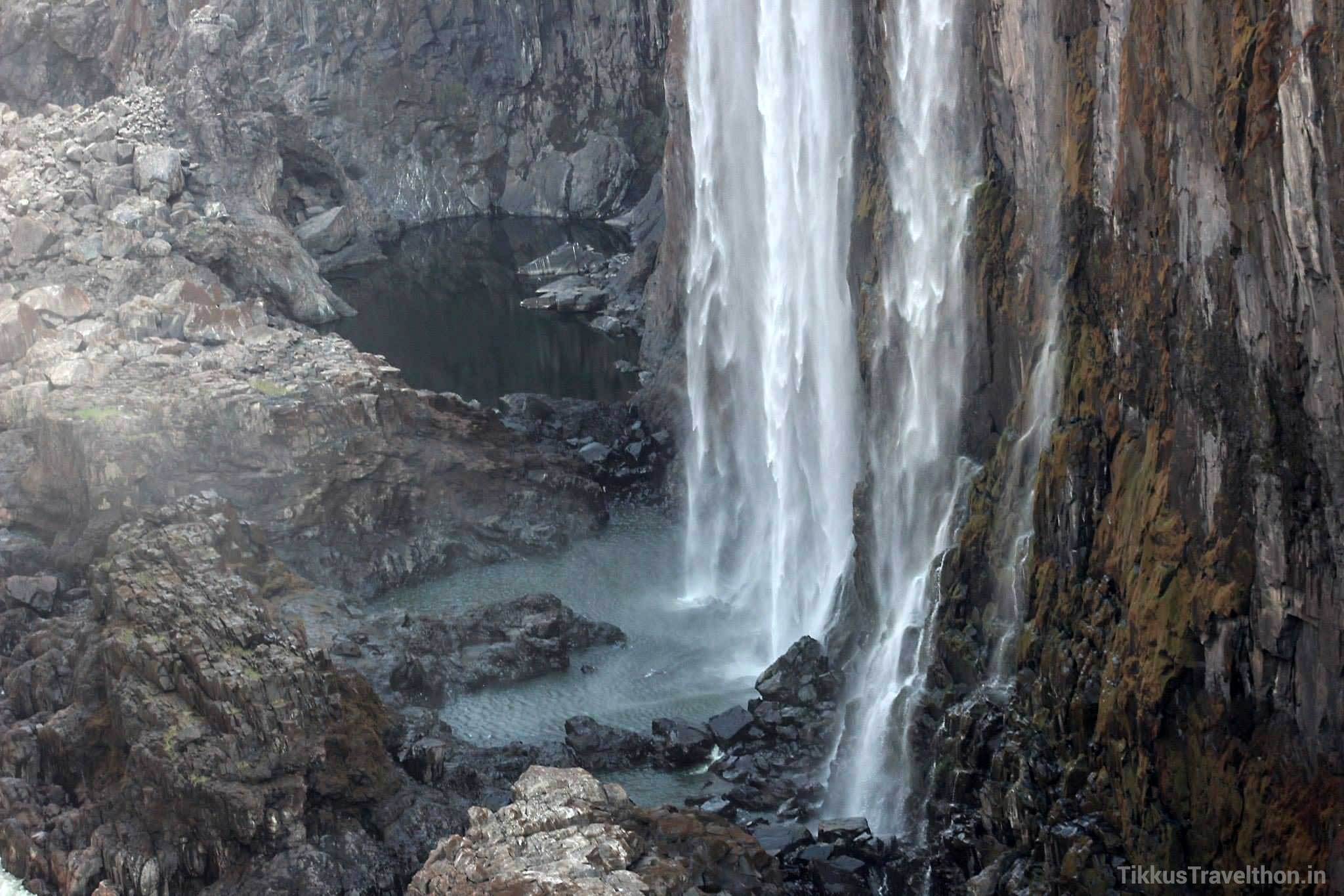 The falling sheet of water is the largest such in the world!