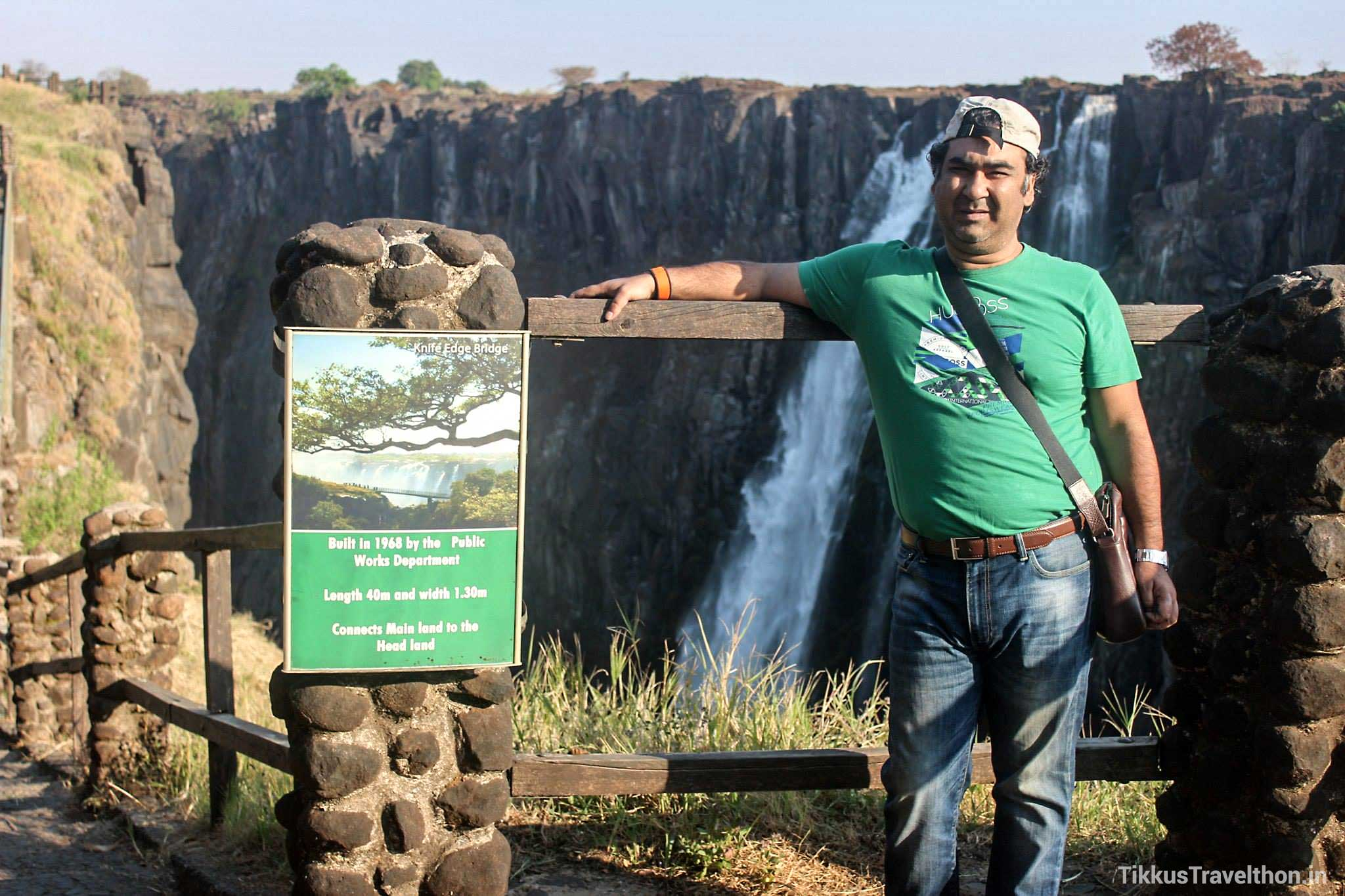 What a Water Fall! The Kololo tribe living in the area calls it the 'Mosi-oa-Tunya' – 'The Smoke that Thunders'!